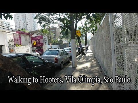 Walking to Hooters, Vila Olimpia, Sao Paulo Brazil - Aug 2016