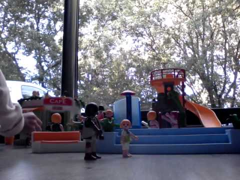 La merveilleuse piscine playmobil youtube for Piscine playmobil