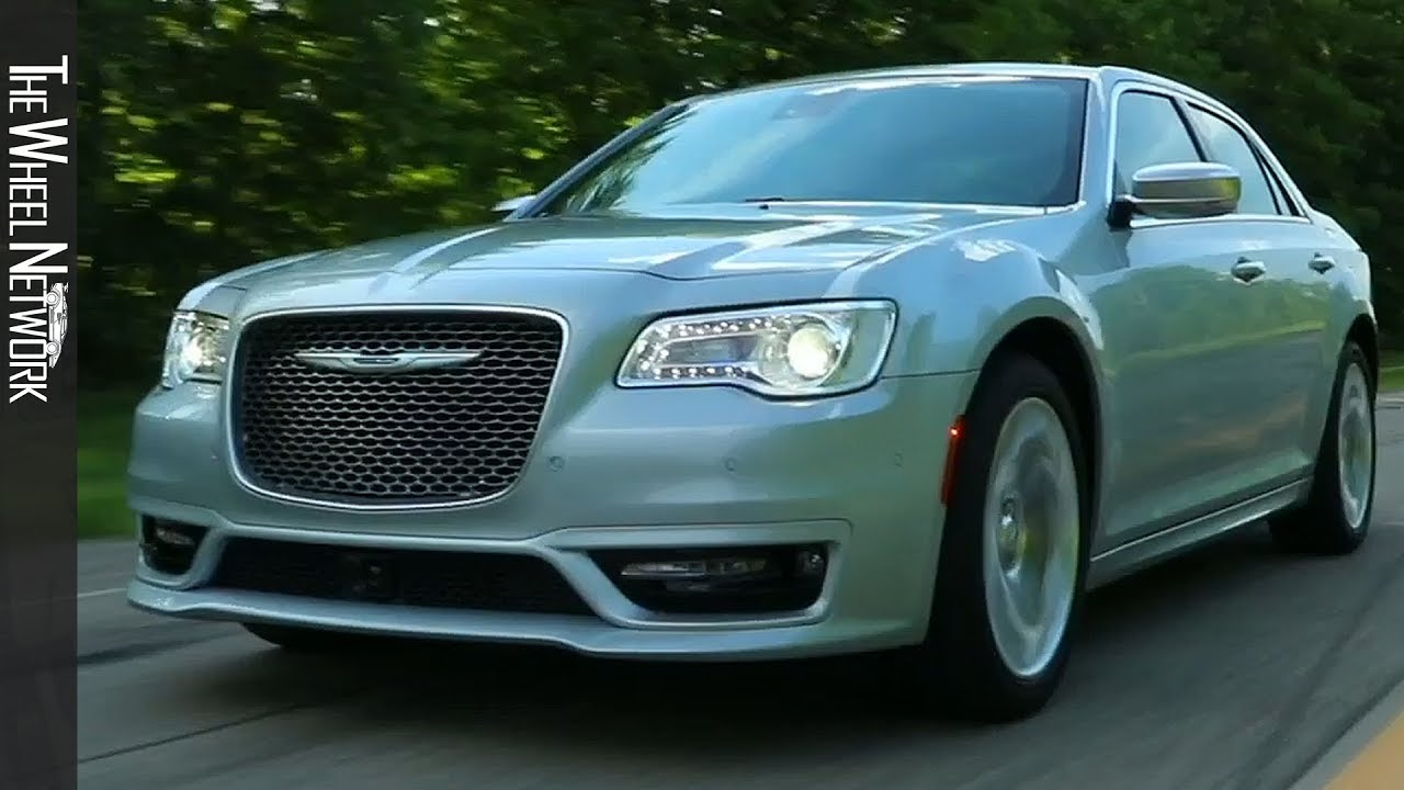 2020 Chrysler 300 Spy Shoot
