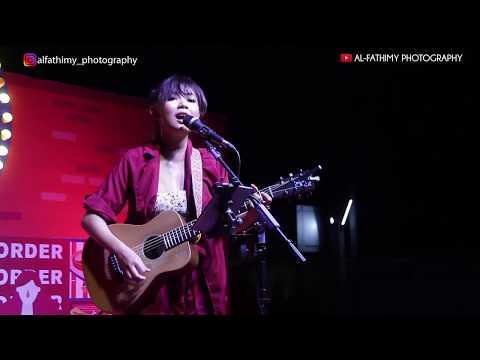 Cinta Luar Biasa (Andmesh Kamaleng) - Cover By Tami Aulia Live In Gofood Festival Jogja