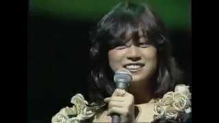 明菜ちゃんがコンサートのMCでファンにアニメ声で応えてます.