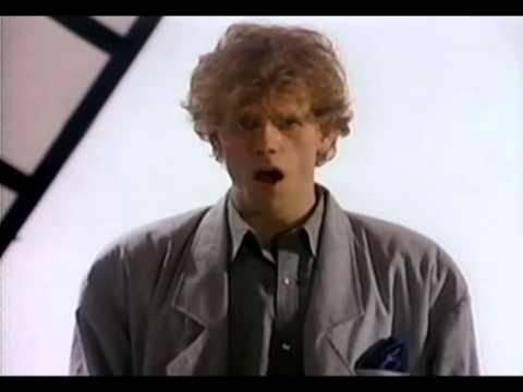 Al Corley - Cold Dresses 1984 Original clip)