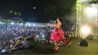 TASYA ROSMALA MENGHIPNOTIS PENONTON BENCI OM ADELLA Live Di SOCAH BANGKALAN MP3