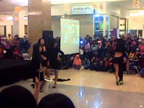 16032014 New Girl's Covering Girl's Day   Something & SISTAR   Give It To Me @K Pop Sparkling Party