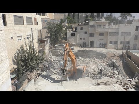 Jerusalem Municipality demolishes duplex under construction, al-'Esawiyah, East Jerusalem