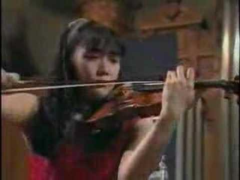 A.Suwanai plays Tchaikovsky Violin Concerto (3rd Mov)