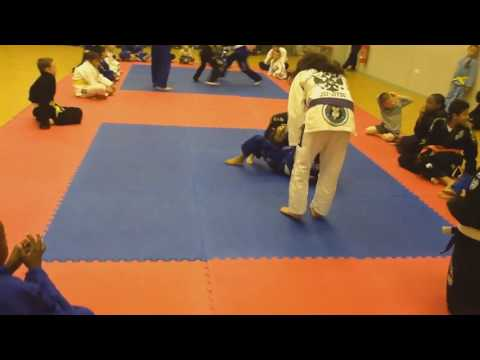 TIANA FIGHTER GIRL TRAINING WITH NOVAVIDA BJJ THE LOVE FOR BRAZILIAN JUJITSU
