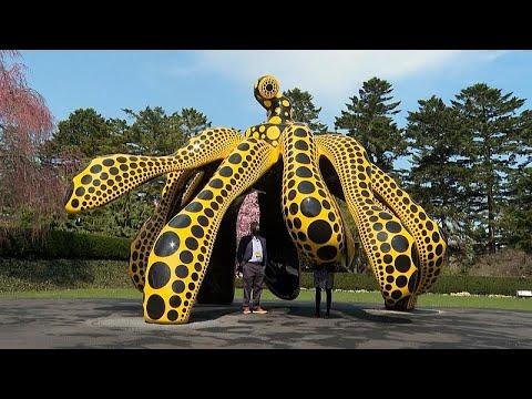 شاهد: اليقطين والبازلاء في معرض بنيويورك تكريما للفنان الياباني يايوي كوساما…