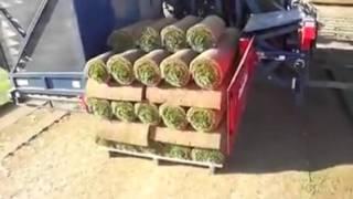 Машина для автоматического формирования рулонов газонной травы.(, 2015-10-04T15:47:28.000Z)
