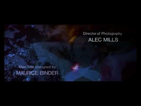 I titoli di testa di 007 - Zona pericolo