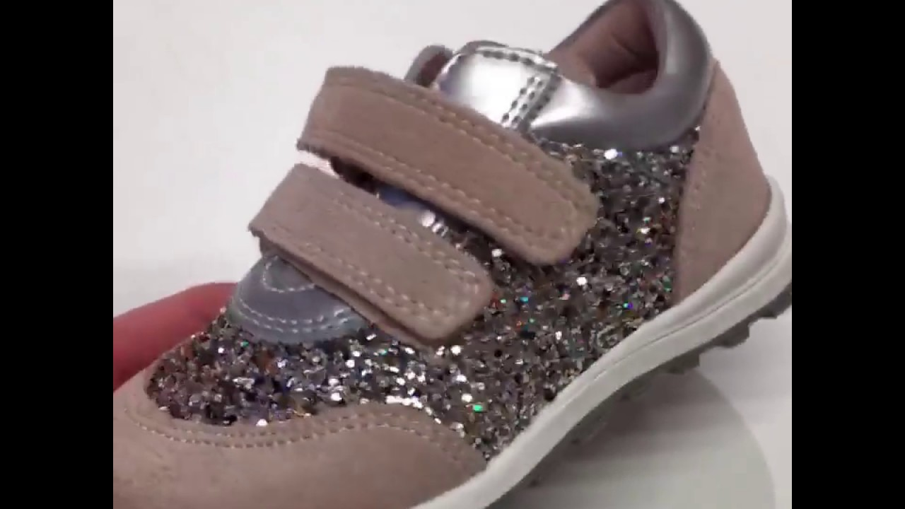 933f67b40cf Petit by Sofie Schnoor Sneaker glitter l. rose - hos Babydk - YouTube