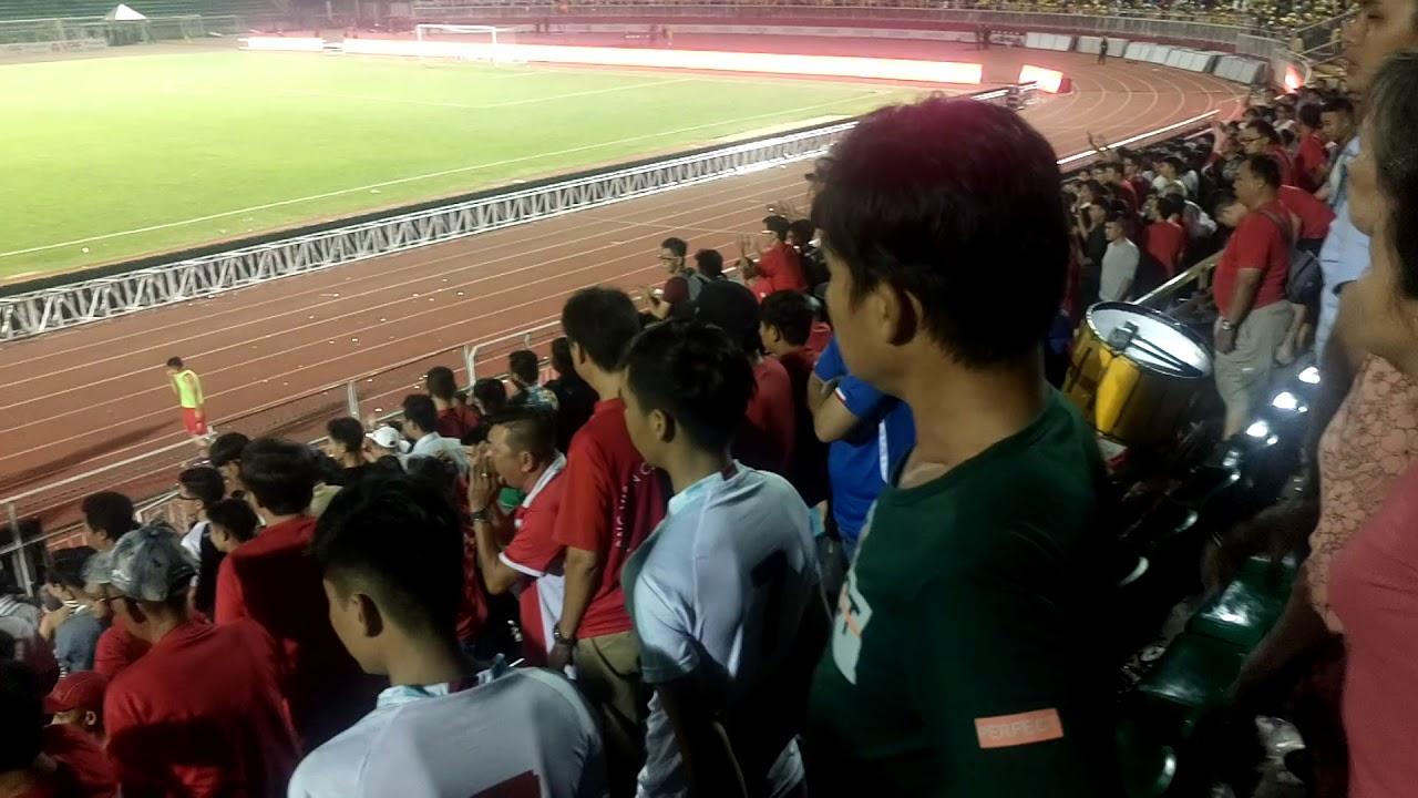 Công Vinh cùng cầu thủ TP Hồ Chí Minh ra xin lỗi, bị cđv chửi bán độ sau trận thua Sông Lam Nghệ An