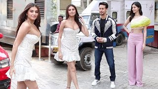 Tara Sutaria H0T ENTRY In Front Of Tiger Shroff & Ananya Pandey @SOTY 2 Trailer Launch