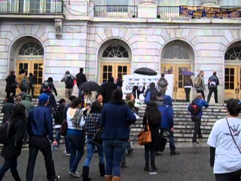 "Protesters ""Beautify"" the UC Berkeley Campus"