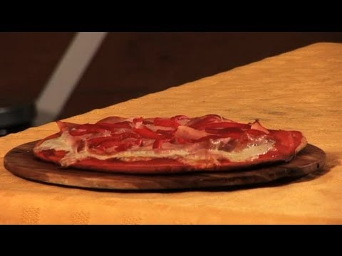 How to Make a Ham and Pepper Pizza