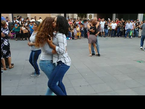 ! bailando la chona