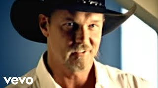 Watch Trace Adkins Hot Mama video