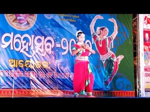 Odissi  Dance  Kene gheni  jauchha  Jagannathanku  by J. S. Subhalaxmi