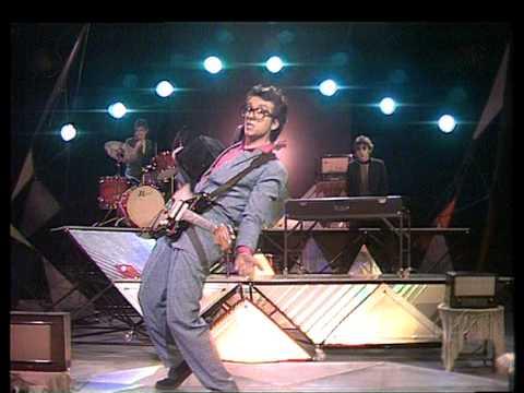 TOPPOP: Elvis Costello - Radio Radio