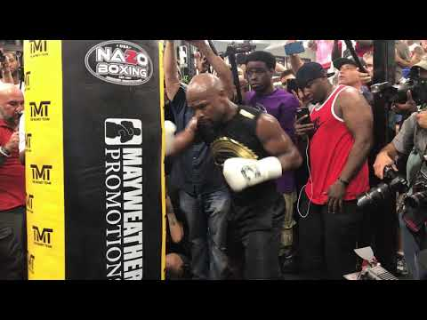 Floyd Mayweather digging to the body! HEAVY BODY SHOTS during media workout for McGregor!