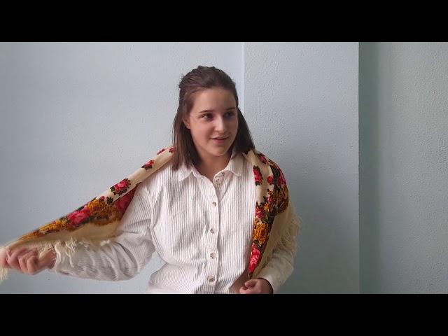 Изображение предпросмотра прочтения – СофьяПапазова читает произведение «На плетнях висят баранки...» С.А.Есенина