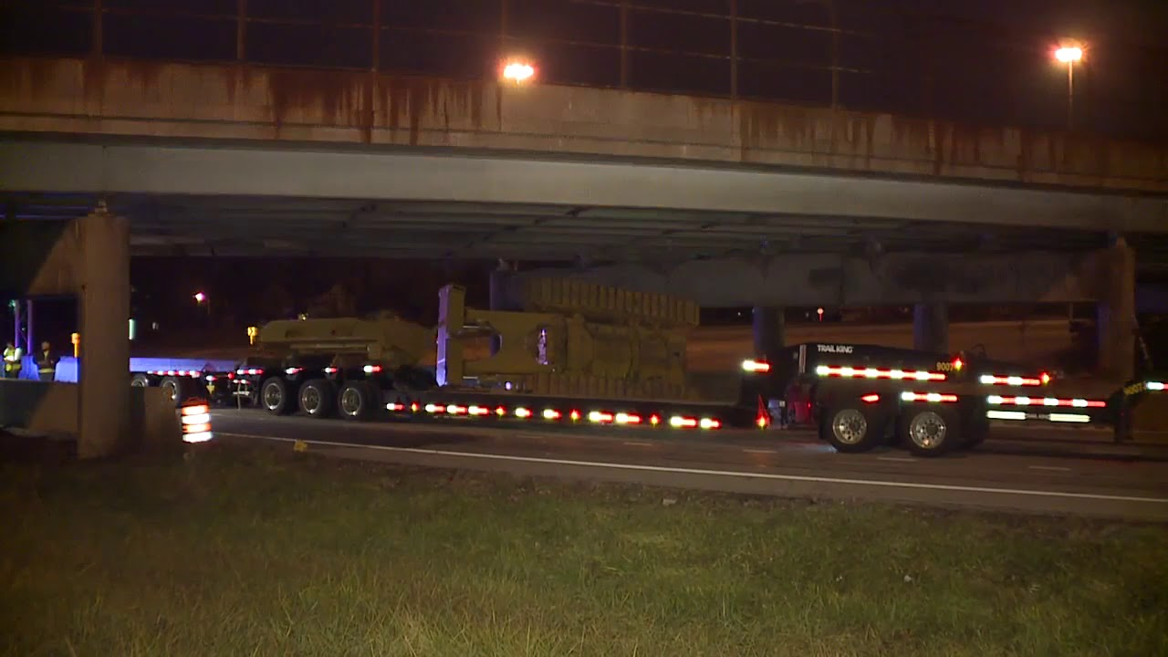 Bulldozer blunder shuts down Interstate 76/77 in Akron for most of
