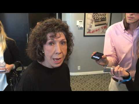 """Lily Tomlin chats on the """"Grace and Frankie"""" red carpet for the 2nd season premiere"""