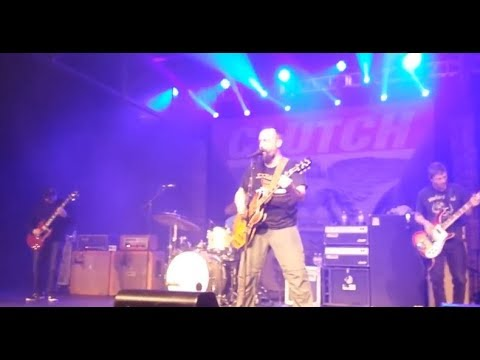 Clutch play 2 new songs Sonic Counselor and TalkBox live off new upcoming album..!