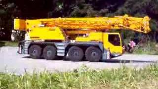 RC BIG AND STRONG CRANE! RC LIEBHERR CRANE! liebherr rc mobile crane! rc live action toys!