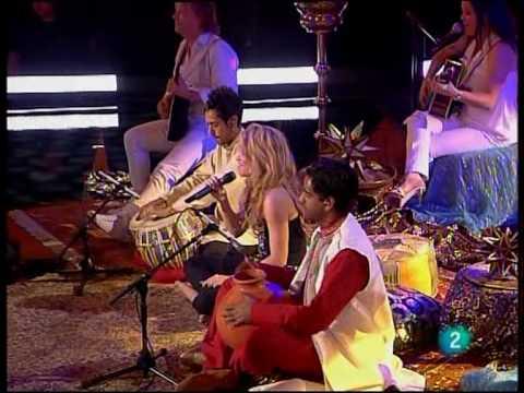 Shakira - Gypsy LIVE