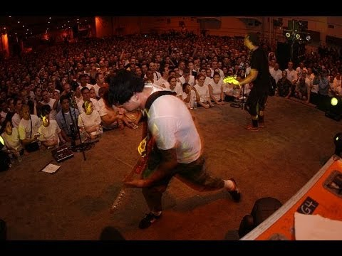 Blink-182 Live USS Nimitz Kuwait Harbour Full Concert 27 August 2003 [HQ]