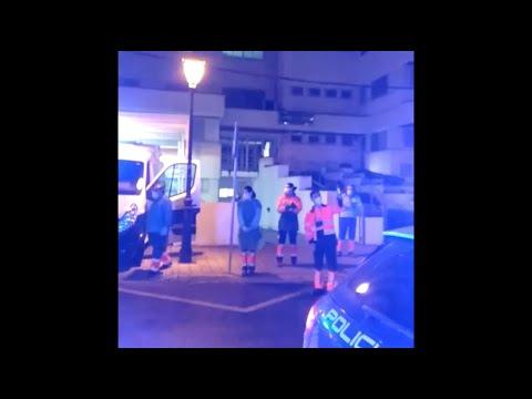 VÍDEO: Homenaje de la Policía a los sanitarios del Centro de Salud de Lucena