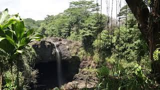 ハワイ州観光局 レインボーフォールズ