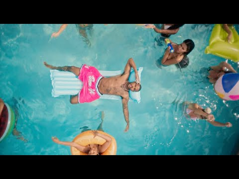 Смотреть клип Trevor Jackson - Pictures By My Pool