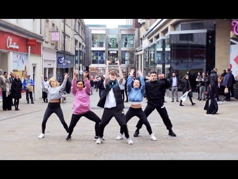 Amazing 'Get Up And GO!' Flash Mob in Leeds!