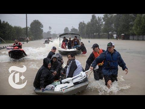 Texans Rescue Houston Flood Survivors | The New York Times