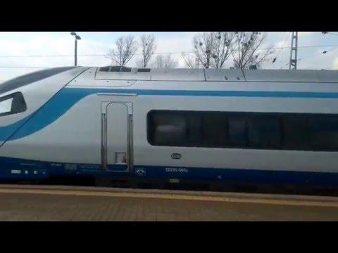 Odjazd pociągu Pendolino EIP 3801 relacji Kraków Główny – Gdynia Główna dnia 15.04.2016 roku.