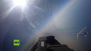 Un Su-27 ruso intercepta a un bombardero de EE.UU. cerca de las fronteras de Rusia