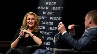 99 Fragen Live: Moritz von Uslar spricht mit Maria Furtwängler // Lange Nacht der ZEIT