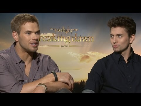 Kellan Lutz & Jackson Rathbone on Vampire Flash Mob & More  Breaking Dawn Part 2 Junket