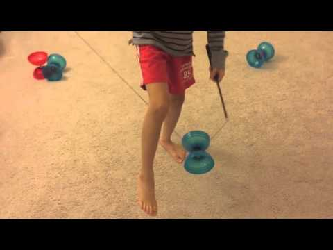 Chinese YoYo intermediate trick #2 One Hand Leg