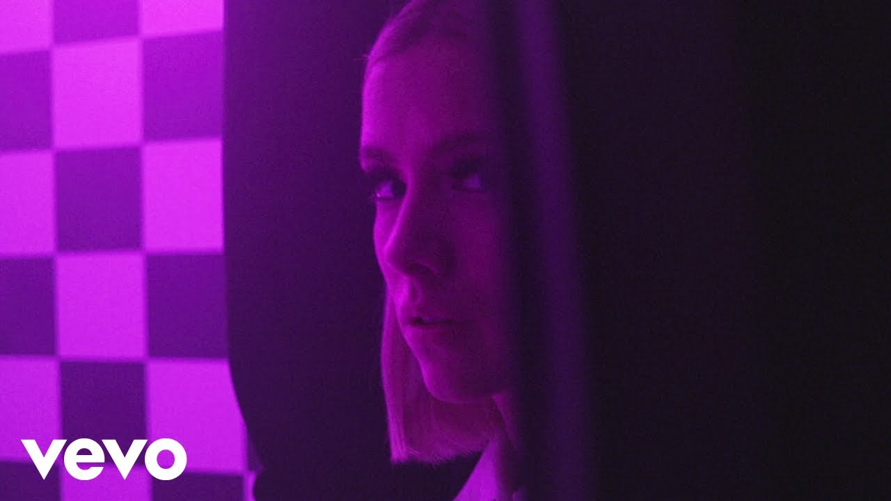 Dagny - Somebody (Official Music Video)
