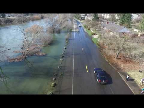 Flooding on Upriver Drive in Spokane