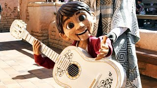Miguel Puppet Meet and Greet at Disneyland Paris for Halloween 2018 - Disney-Pixar Coco