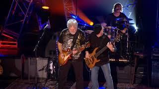 17 Bachman & Turner - Live @ Roseland Ballroom - Rollin' Along