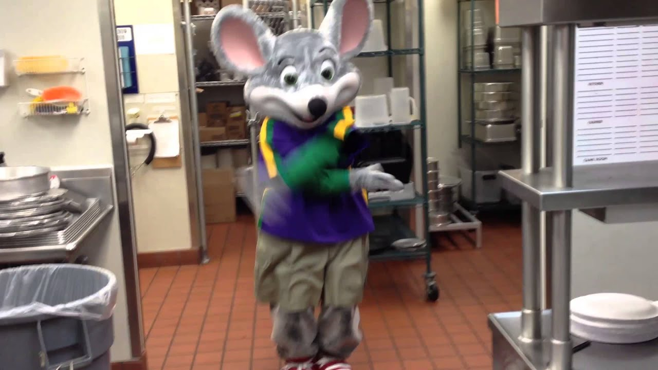 In the past, she has always just wanted a family dinner, but this year she wanted Chuck E. Cheese's after her cousin had his party there. This worked out perfectly when the fun people at Chuck E. Cheese's offered to host her party.