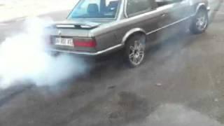 explosion du pneus e30 bmw
