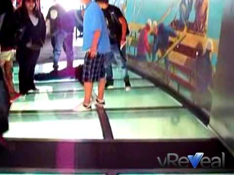 CN Tower - Glass Floor Experience - YouTube
