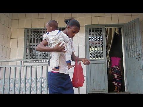 Guinée Conakry : Etre élève et mère, véritable parcours du combattant