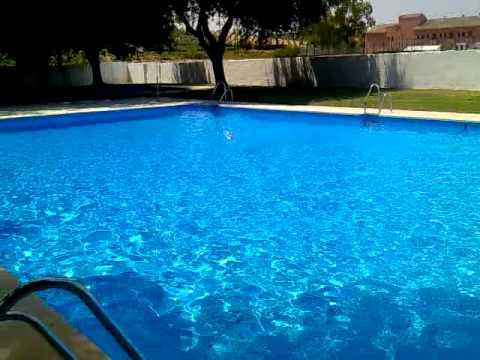 Eco construcci n casera en fibra en piscina municipal de for Piscina municipal